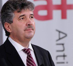 """Compania Antibiotice Iaşi ajută IRO şi Institutul """"Matei Balş"""" cu bani şi medicamente"""
