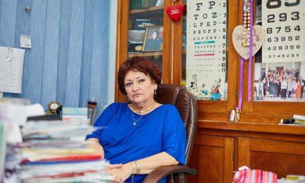 Prof. Dr. Monica Pop: Protejați-vă ochii cu ochelari, pe care spălați-i zilnic cu apă și săpun sau ștergeți-i cu alcool!