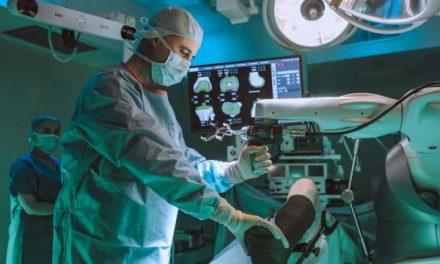 Ponderas Academic Hospital – singurul spital din Europa Centrală şi de Est dotat cu un Robot MAKO