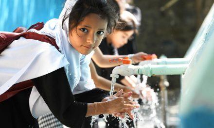 Lipsa facilităților de spălare a mâinilor cu săpun expune milioane de persoane unui risc crescut de contractare a COVID-19 și a altor boli infecțioase