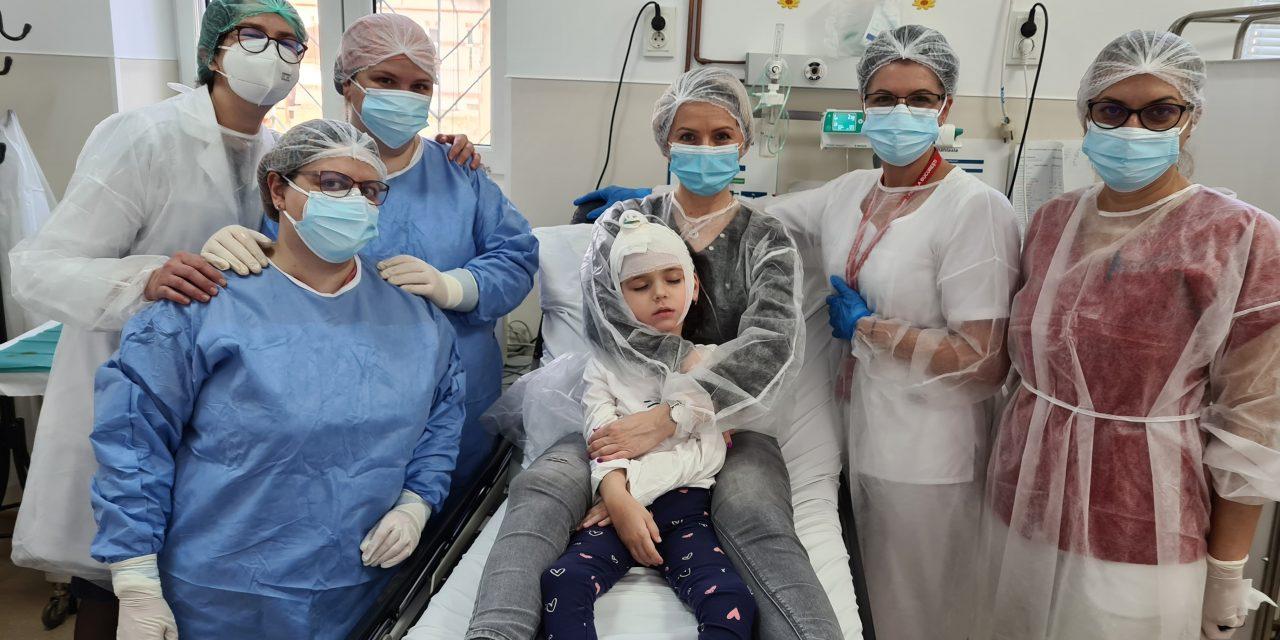 Moș Nicolae a venit mai devreme pentru copiii cu Boala Batten