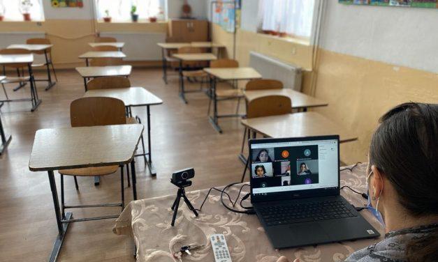 9 școli din medii defavorizate din județul Constanța au primit echipamente IT complete